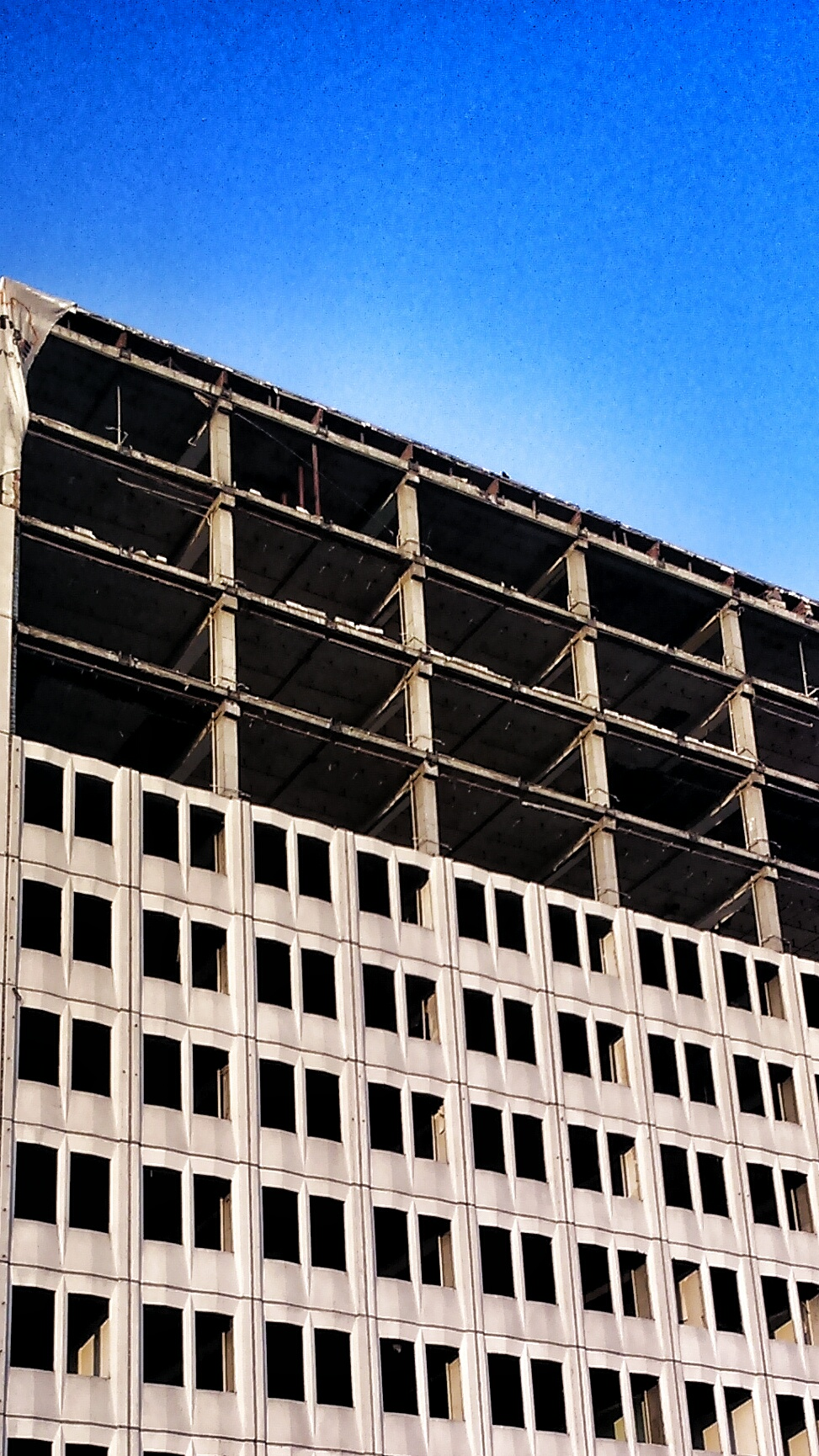 Aleje niepodleglosci budynek architektura